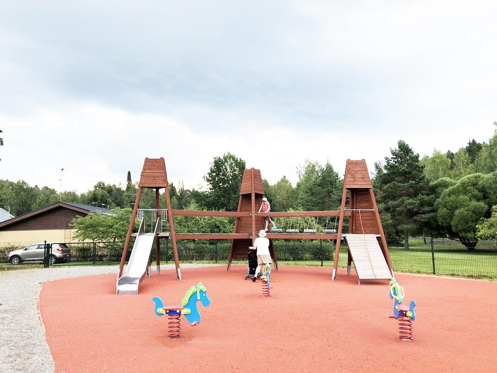 Nokian leikkipuistot: Antinniityn keskusleikkipaikka Siurossa
