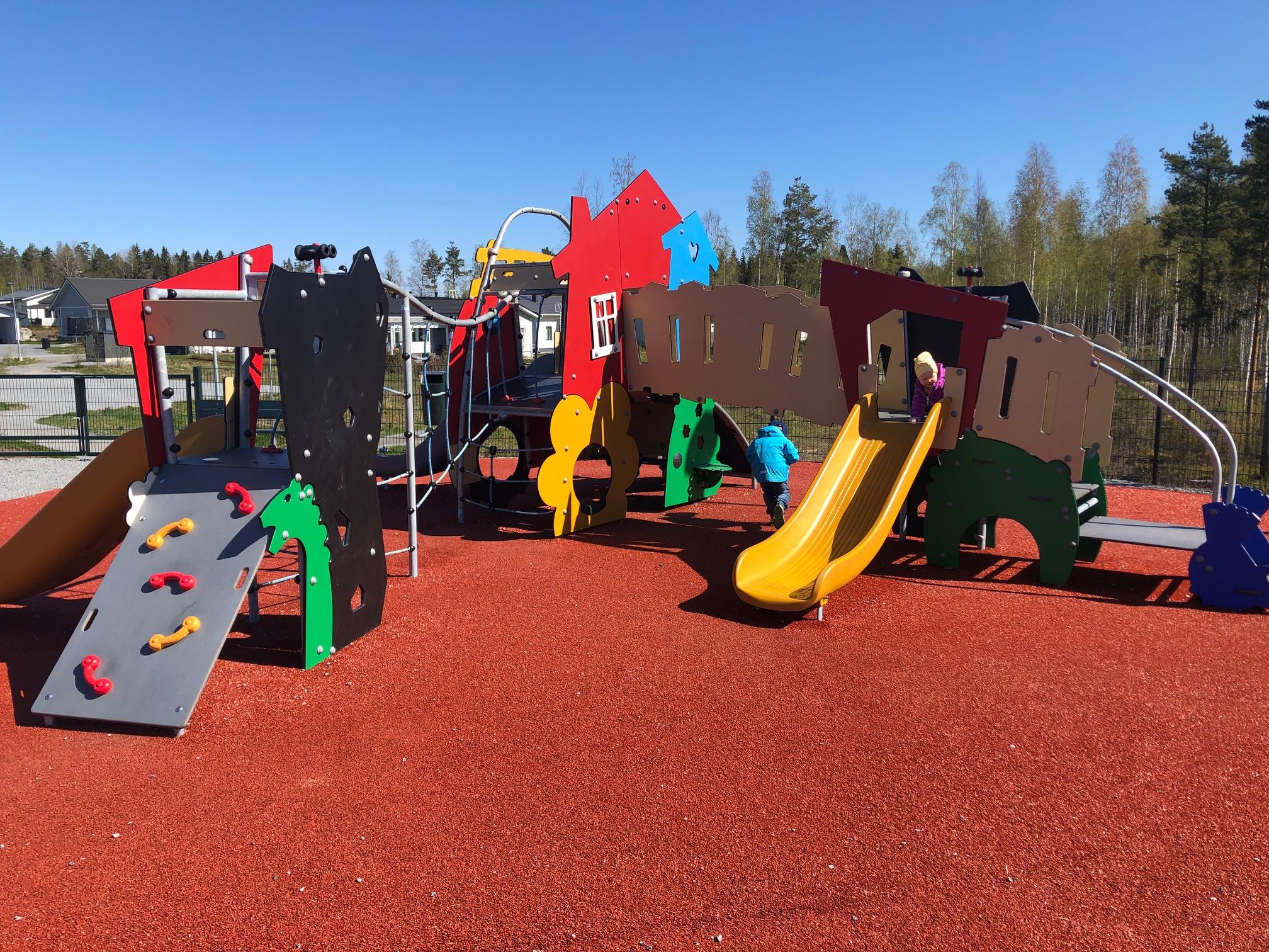 Nokian leikkipuistot: Samulinvuorenpuisto Sammalistossa