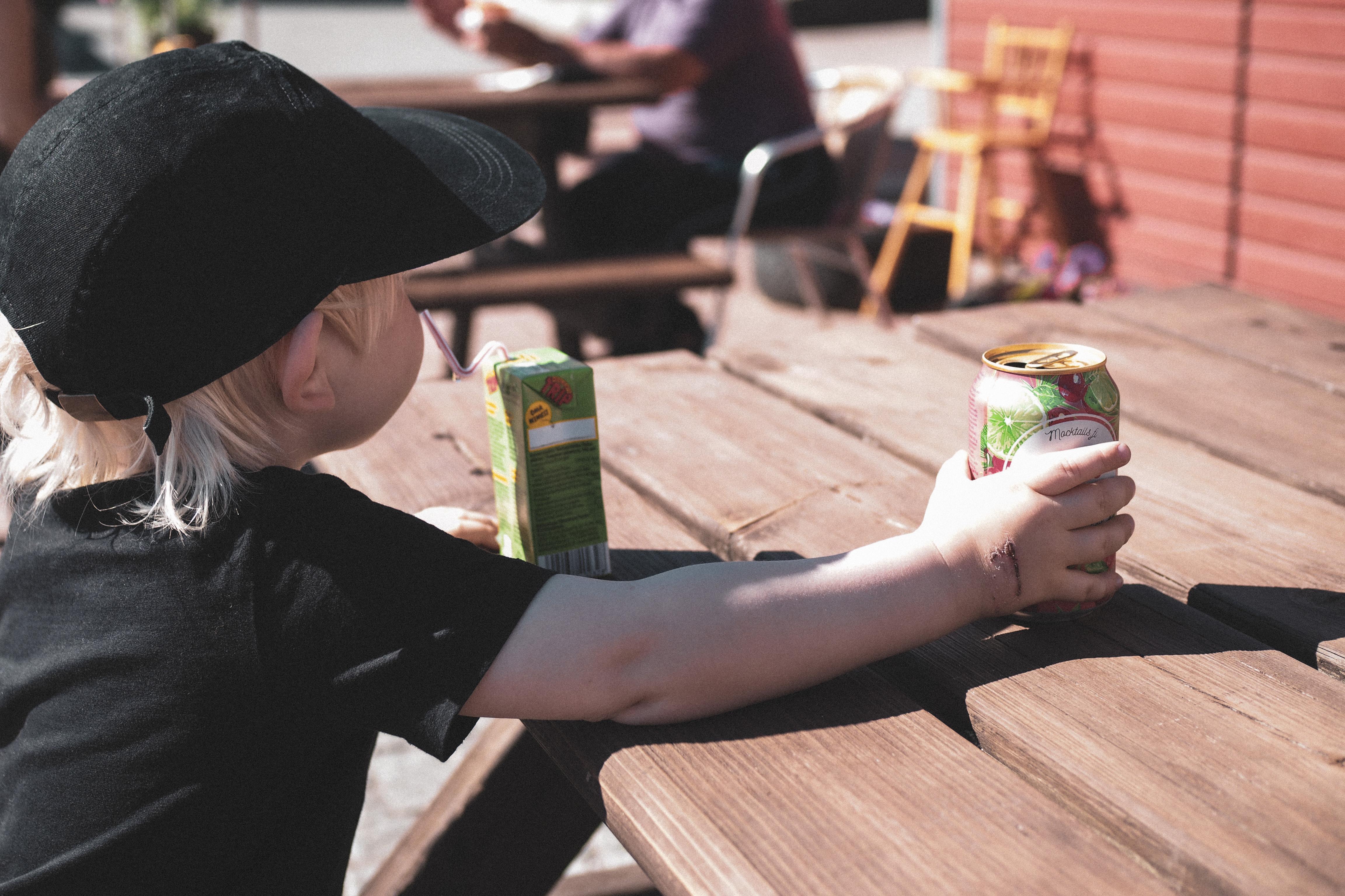 Kesäpuuhaa: Cafe Kompo – Torilla tavataan