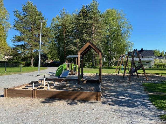 Nokian leikkipuistot: Villenkenttä Ruskeepäässä